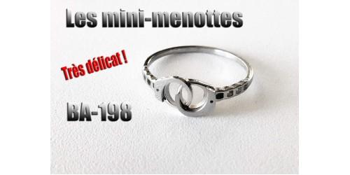 Ba-198, Bague Les mini-menottes, acier inoxidable