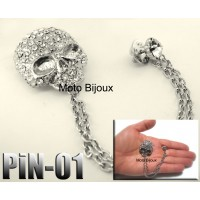 Pin-001, Broche tête de mort. Pierres claire (to be translated)